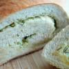 Zawijany chlebek czosnkowo-ziołowy