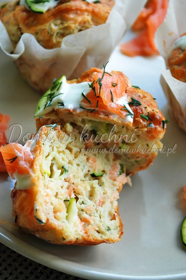 Muffiny z cukinią i łososiem