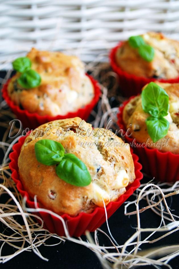 Muffiny z oliwkami i serem feta