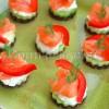 Minikanapeczki z łososiem i ogórkiem