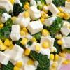 Sałatka z brokuła, kukurydzy i fety