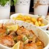 Złocisty kurczak z ziołowym sosem greckim