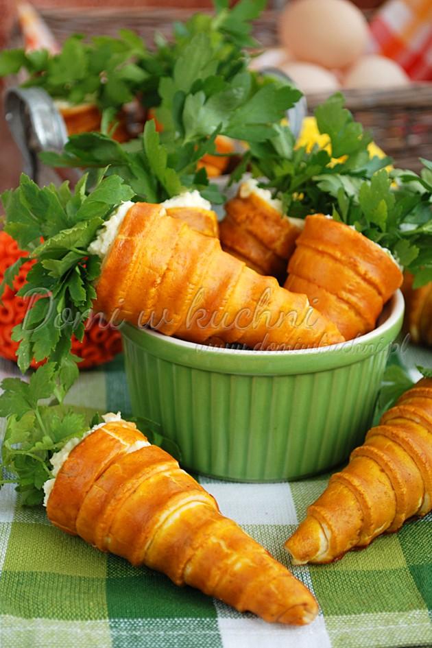 Nadziewane marchewki z kruchego ciasta