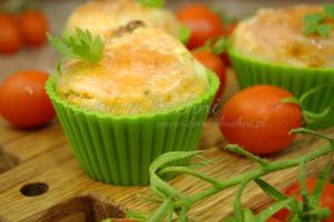 muffiny z suszonymi pomidorami2